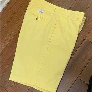 Men's Vineyard Vines Yellow Club Shorts, size 30